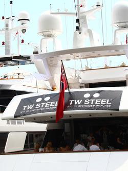 Tw Steel boat