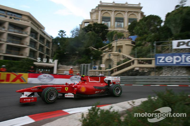 Mayor remontada: 18 posiciones (en el GP de Mónaco 2010, salía 24º y acabó 6º)