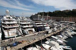 Monaco le port atmosphere