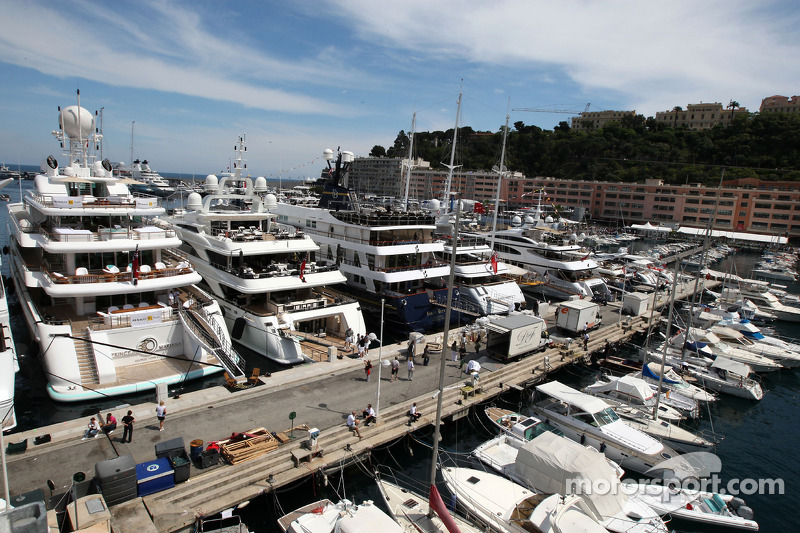 Monaco harbor atmosfer