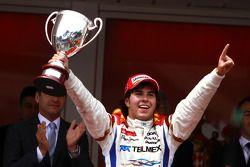 Podium: vainqueur Sergio Perez