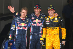 Ganador de la Pole Mark Webber, Red Bull Racing, Sebastian Vettel, Red Bull Racing tercero y Robert