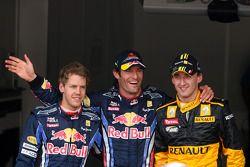 Ganador de la Pole Mark Webber, Red Bull Racing, Sebastian Vettel, Red Bull Racing tercero y Robert