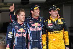 Ganador de la Pole Mark Webber, Red Bull Racing, Sebastian Vettel, Red Bull Racing tercero y Robert Kubica, Renault F1 Team segundo