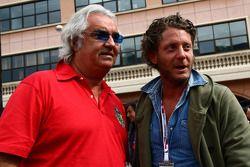 Flavio Briatore con Lapo Elkann, sobrino de Gianni Agnelli