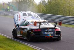 #49 Audi R8: Alexander Krebs, Chris Vogler, Ellen Lohr, Guido Naumann stopt na een crash