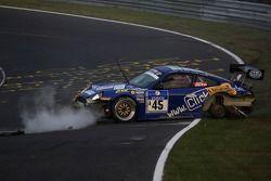 #45 Porsche 911 RSR: Norbert Pauels, Wolfgang Deströe, Matthias Teich accident heavily