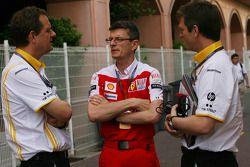 Steve Nielsen, Renault F1 Team, Sporting Manager ve Chris Dyer, Scuderia Ferrari