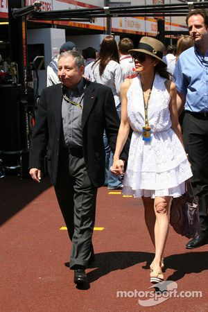 FIA Presidente Jean Todt y Michelle Yeoh, ex chica James Bond Novia de Jean Todt