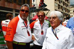 Vijay Mallya Force India F1 le propriétaire d'équipe et Bernie Ecclestone
