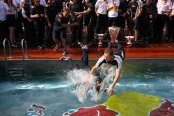 Red Bull mechanics end up swimming pool