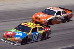 Kyle Busch, Joe Gibbs Racing Toyota et Joey Logano, Joe Gibbs Racing Toyota