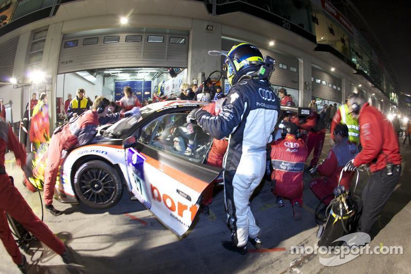 Pitstop #97 Phoenix Racing Audi R8 LMS: Dennis Rostek, Luca Ludwig, Marc Bronzel, Markus Winkelhock