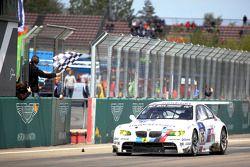 Победители: Йорг Мюллер, Аугусту Фарфус, Уве Альцен, Педро Лами, BMW Motorsport, BMW M3 E92 (№25)
