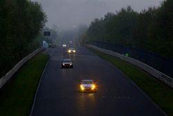Race actie in de ochtend Döttinger Höhe: #17 Team DMV Porsche 997 GT3: André Krumbach, Holger Fu