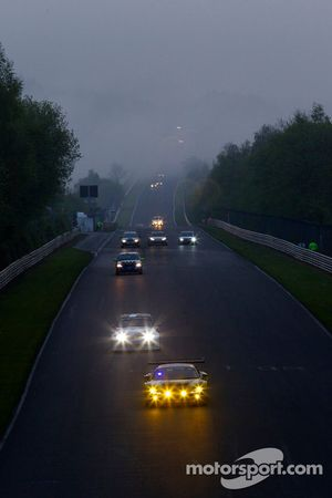 Race actie in de ochtend Döttinger Höhe: #102 Black Falcon Audi R8 LMS: Christer Jöns, Sean Paul