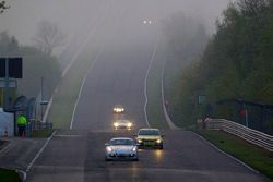 Action au petit matin sur le Dottinger Hohe: #236 Team DMV Porsche Cayman S: Ivan Jacoma, Nicola Bravetti, Matteo Cassina, André Krumbach