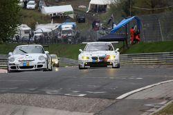 #85 Steam Racing Porsche 911: Michael Schratz, Johannes Siegler, #25 BMW Motorsport BMW M3 E92: Joer