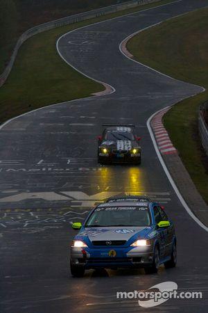#207 Opel Astra OPC: Thomas Lennackers, Michael Auert, Eberhard Schneider, Michael Juul
