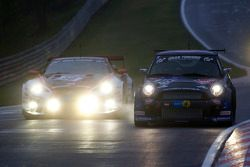 #145 Alpecin Schirra Motoring Mini Cooper S: Friedrich von Bohlen, Harald Grohs, #50 Gazoo Racing To