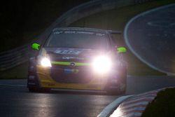#142 Opel OPC Race Camp Opel Astra OPC: Hendrik Scharf, Jean-Marie Rathje, Arne Hoffmeister, Roger Büler