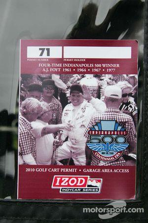 Sticker voor A.J. Foyt Jr.'s vier Indianapolis 500 zeges