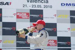 Winnaar Race 1 Edoardo Mortara, Signature, Dallara F308 Volkswagen