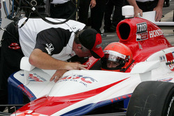 A.J. Foyt IV, A.J. Foyt Enterprises receives qualifying instructions from Brian Barnhardt, President