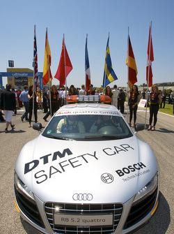 DTM safety car sur la grille de départ