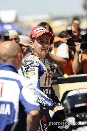 Le vainqueur Jorge Lorenzo, Fiat Yamaha Team célèbre