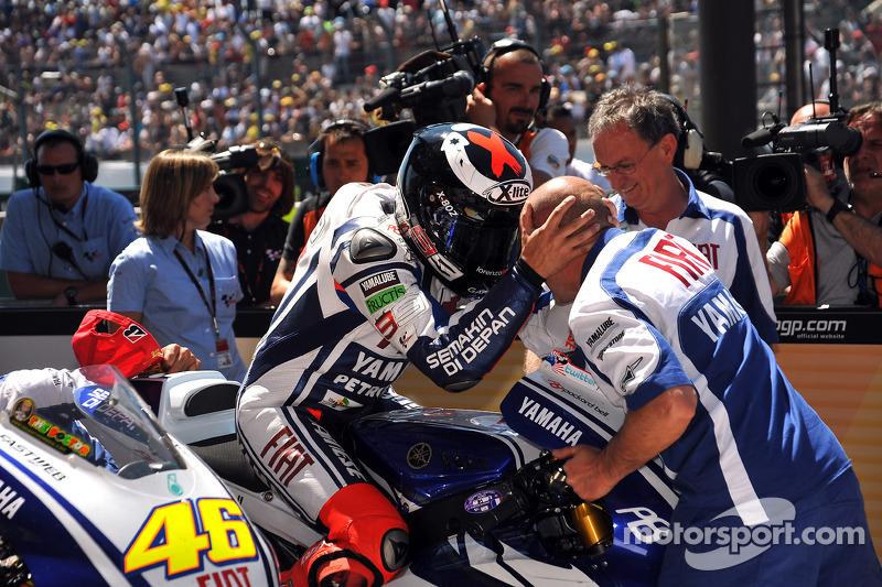Ganador de la carrera Jorge Lorenzo, celebra el Fiat Yamaha Team