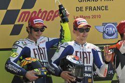 Podium: le vainqueur Jorge Lorenzo, Fiat Yamaha Team, deuxième place pour Valentino Rossi, Fiat Yamaha Team