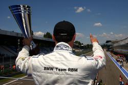 Podium: vainqueur Andy Priaulx, BMW Team RBM