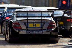 Embouteillage à la sortie des stands: Bruno Spengler, Team HWA AMG Mercedes C-Klasse