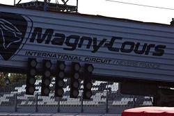 Magny-Cours ligne de départ arrivée