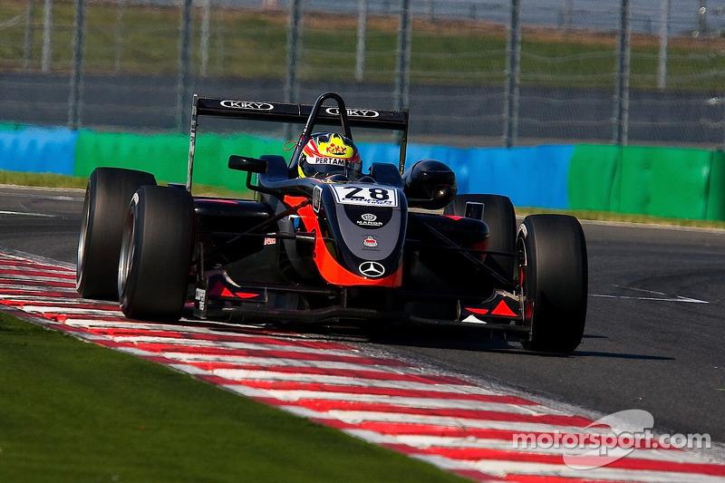 2010: Dallara F308 Mercedes, F3 Inggris