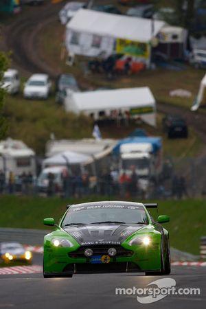 #6 Aston Martin Vantage V12: Chris Porritt, Richard Meaden, Oliver Mathai, Peter Cate