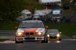 #225 BMW E36 M3: Richard Gartner, Ray Stubber, Paul Stubber