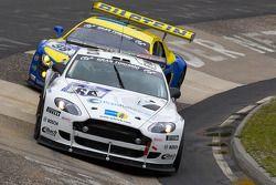 #66 Aston Martin Vantage V8: Tim Schrick, Marc Simon