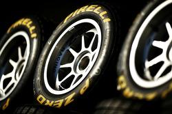 Pirelli banden en logo
