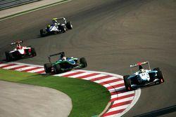 Felipe Guimaraes leads Daniel Morad