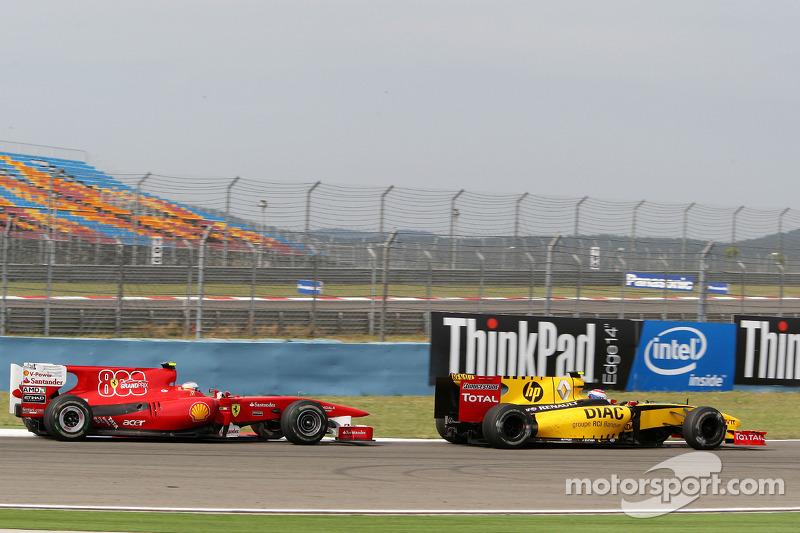 Fernando Alonso, Scuderia Ferrari, Vitaly Petrov, Renault F1 Team