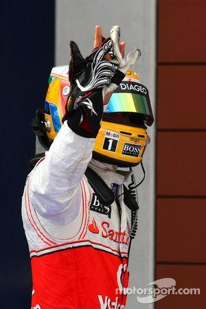 Yarış galibi Lewis Hamilton, McLaren Mercedes