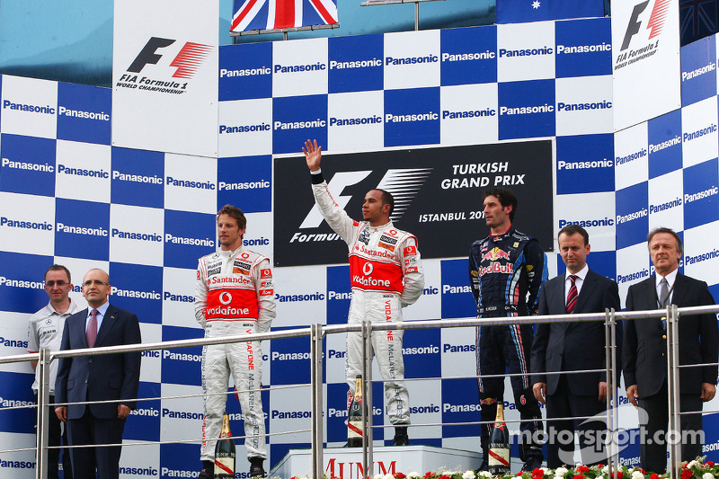Podyum: Yarış galibi Lewis Hamilton, McLaren Mercedes, 2. Jenson Button, McLaren Mercedes, 3. Mark W