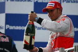 Podyum: Yarış galibi Lewis Hamilton, McLaren Mercedes