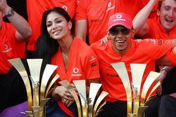 Mclaren team celebration, Nicole Scherzinger, Şarkıcı Pussycat Dolls ve kız arkadaşı, Lewis Hamilton
