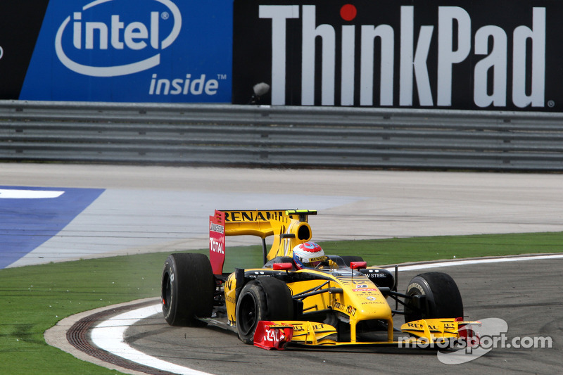 Vitaly Petrov, Renault F1 Team ve puncture