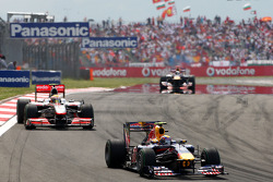 Mark Webber, Red Bull Racing leads Lewis Hamilton, McLaren Mercedes