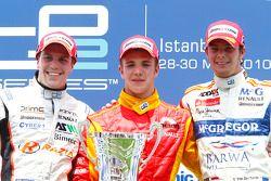 Dani Clos fête son succès sur le podium avec Luiz Razia et Giedo Van der Garde