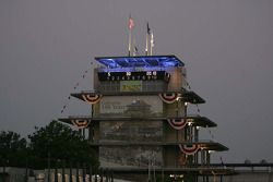 Dawn breaks over the Pagoda on race morning